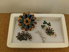 lot of 4 Vintage rhinestone brooches -