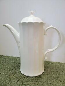 Mikasa Maxima Yardley CAJ08 White Coffee Pot appears never used