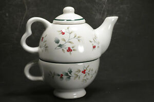 Pfaltzgraff Winterberry Holly Tea For One Teapot Lid Cup Christmas Winter