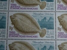 25 TIMBRES TAAF FEULLE COMPLETE MANCOGLOSSE ARTIQUE 1995 FACIALE : 9.14 €