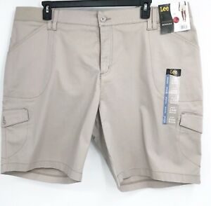Lee Womens Bermuda Shorts Beige Pockets Relaxed Fit Mid Rise Button Plus 24W New