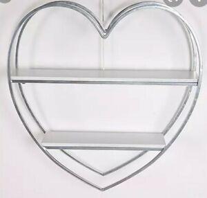 HESTIA Heart Shaped White Metal & Wood Wall Shelf Unit. (RRP £65)