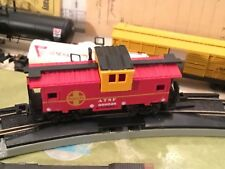 Bachmann N Scale ATSF Train Caboose 999628 Red and Yellow