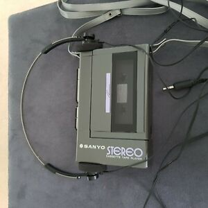 SANYO Stereo Cassette Player Model M3330 Walkman made in Japan mit Kopfhörer ori