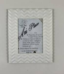 """Small Pattern Magnetic Photo Frames - Fits 4x3"""" Photos"""