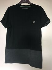 NICHOLAS DEAKINS, SIZE MEDIUM, BLACK & GREY, SHORT SLEEVE T-SHIRT, PRE-LOVED