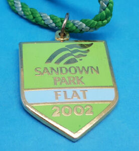 Sandown Park Horse Racing Members Badge (Flat) - 2002