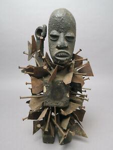 Nkisi Nkondi Kraftfigur Nägel Klingel Afrika ca. 39 cm H