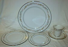 Gorham Rondelle Fine China 5 Piece Place Setting - Used for Display Only!!