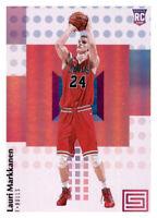 2017-18 Status Lauri Markkanen Bulls #120 NBA Rookie RC PWE