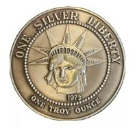 Vintage 1973 One Silver Liberty 1oz .999 Fine Silver Round Statue of Liberty