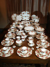 Old Country Roses Large 123 Piece China Set Royal Albert Porcelain Dinnerware A+