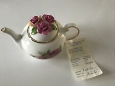 More details for royale stratford the country cottage tea pot collection old garden roses