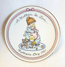 Vintage Avon Plate Joan Walsh Anglund Mothers Day 1987 Small 5""