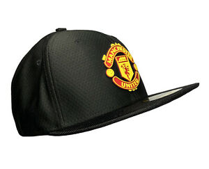 Manchester United — Mens SIZE 7 1/4 Black Soccer Hat / Cap, New Era 59FIFTY EPL