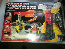 Transformers G1 Omega Supreme 1985 Hasbro Boxed