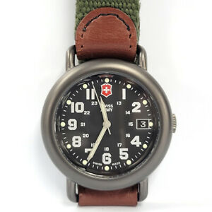 Vintage Men's Swiss Army Date Watch Green Leather, New Battery - RARE ITEM