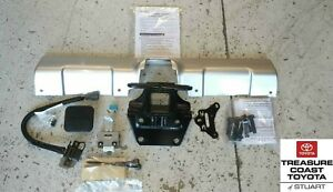 NEW OEM TOYOTA FJ CRUISER CLASS III TOW HITCH RECIVER & HARNESS(CONVERTER KIT)