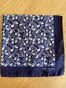 BNWT TED BAKER LONDON POCKET SQUARE NAVY BLUE SILK Ditsy Floral Flowrev
