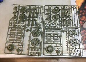 T-34 trumpeter plastic assemble parts 1/16 scale
