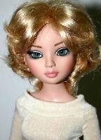 "Short Layered Blond Wig Size 7 1/4"" Ellowyne American Model  - Grace"