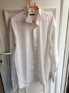 Van Heusen Mens Tuxedo Dress Shirt Size 44 / XL Long Sleeve Button Up White