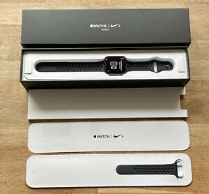 Apple Watch Series 3 Nike + GPS 42mm Space Grey Case Nike Band Anthracite/Black