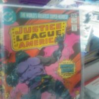 1980 DC Comics JUSTICE LEAGUE OF AMERICA  #185 (December )/ comes with 2 free