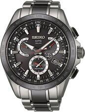 Seiko Armbanduhren mit ewigem Kalender und 100 m Wasserbeständigkeit (10 ATM)