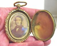 VICTORIAN VERY LARGE GOLD FILLED LOCKET WITH TIN TYPE INSIDE 35.5 GMS 40 X 68 MM