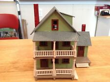 ho scale built tyco building 2 story green home / AUNT MILLIE'S HOUSE scenery