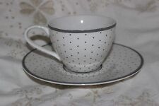 Couture Dema Fine Porcelian Cup and Saucer .Tasses & Soucoupes.