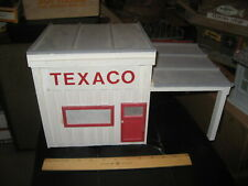 Built 1:24 G Scale Small Town Texaco Gas Station Building