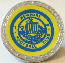 Newport FC iow vintage Insert badge broche épingle en chrome 27 mm Dia