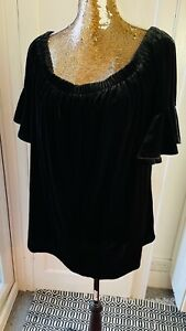 exNew Look Relaxed Black Velvet Ruffled neck and sleeves Top Blouse size 22 NEW