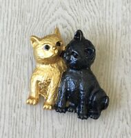 Adorable Two cats Brooch pin ienamel on metal