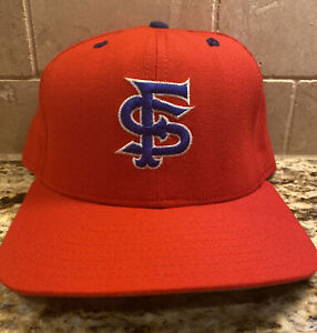 RARE! Vintage Fresno State Bull Dogs New Era Hat Cap Baseball Red Fitted 7 3/8