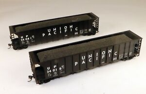 (2) Roundhouse 5 Bay Ortner Hoppers Union Pacific #34041/34016 1/87 HO Scale