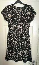 Lovely YOURS CLOTHING Floaty Heart Print Dress with pockets Size 16 - Brand New