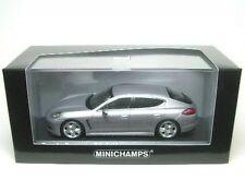 Porsche Panamera S Hybride (GT-silbermetalli) 2011