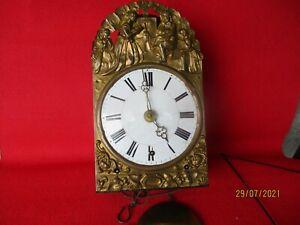 Comtoise Uhr mit vier Glocken, und drei Werken Frankreich um 1850 Spindelhemmung