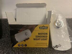 Victor Tools motion sensored night light 500m 3.7v Portable Handheld Or Plug In