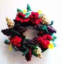 Tejer patrón para corona de navidad con conos de pino, flores. no se necesitan forma!