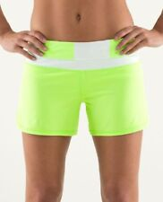 Lululemon Groovy Run Shorts Zippy Green and White SZ 8 Style Number W7307S
