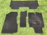 Honda CR-V Automatic 2001-06 Fully Tailored Car Mats in Black Used For 3 Months