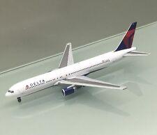 Gemini Jets 1/400 Delta Airlines Boeing 767-300 N143DA die cast metal model