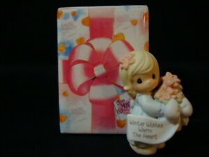Precious Moments Girl With Poinsettia-Winter Wishes Warm The Heart-2000 LE