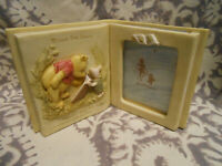 Winnie the Pooh And Piglet Charpente Novel Book Shaped Frame Read Books
