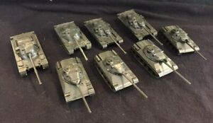LOT OF 8 PLASTIC ROCO TANKS 4 BRITISH CHIEFTAIN AND 4 FRENCH AMX 30