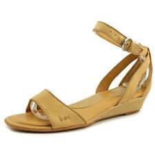 Sandalias y chanclas de mujer de tacón medio (2,5-7,5 cm) de color principal beige de piel